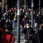 Uso de mascarillas en espacios públicos deja de ser obligatorio en Buenos Aires